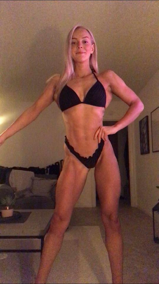 Lisa Bikini.jpg